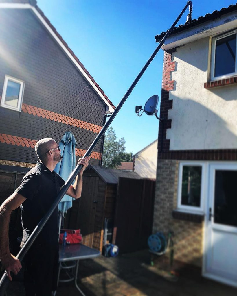 gutter cleaning farnham